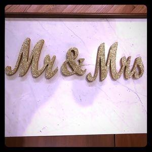 Mr.&Mrs. wedding sign